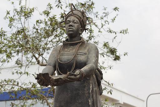 Emotan statue at Oba Market